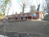207 Chestnut Knoll Bellepoint Circle Hinton WV, 25951