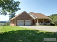 284 Deer Hollow Lansing NC, 28643