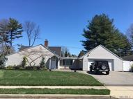 83 Shepherd Ln Roslyn Heights NY, 11577