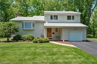 233 River Bend Rd Berkeley Heights NJ, 07922