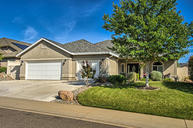 2067 Maudray Way Redding CA, 96003