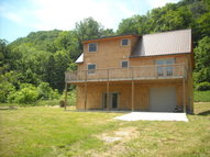 2531 New River Road Hinton WV, 25951