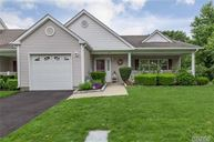 604 Pebble Beach Path Riverhead NY, 11901