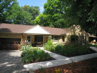 4955 S 78th St Greenfield WI, 53220