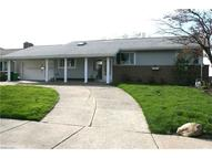 29103 Cresthaven Willowick OH, 44095