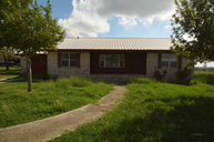 75 Roots Road Martindale TX, 78655