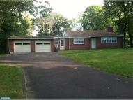 887 W Maple Dr Southampton PA, 18966