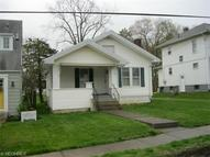 2544 Oakwood Ave Zanesville OH, 43701