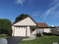 429 Sheffield Dr Ridge NY, 11961