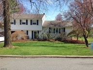 7 Lord Stirling Dr Parsippany NJ, 07054