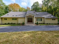 16 Woodfield Ln Glen Head NY, 11545
