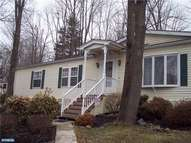 25 Golfview Dr Quakertown PA, 18951