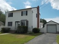 42 Alice Rd West Islip NY, 11795