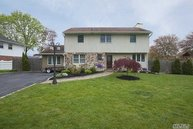 22 Windham Cres Kings Park NY, 11754