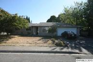 3796 9th St Hubbard OR, 97032