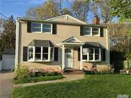 8 Seacliff Ave Miller Place NY, 11764