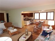 15 The Trail Trl Hampton Bays NY, 11946