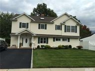 133 Sprucewood Dr Levittown NY, 11756