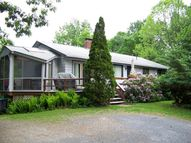 208 Mead Ln Middlebury VT, 05753
