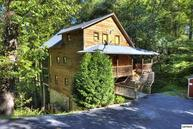 1230 Hemlock Drive Making Memories Lodge Gatlinburg TN, 37738