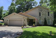 609 Lakewood Place Greentown IN, 46936