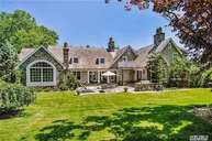 46 Morgan Dr Old Westbury NY, 11568