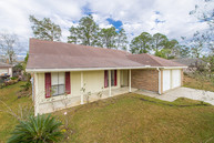 213 Goldenwood Dr Slidell LA, 70461