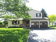 8357 Golden Larch Ln Liverpool NY, 13090