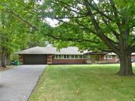 2142 Country Club Dr Wickliffe OH, 44092