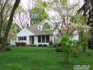 6 Carlson Ct Kings Park NY, 11754