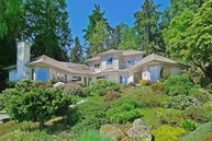 7736 Ne North St Bainbridge Island WA, 98110