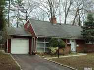 11 Circle Dr Glen Cove NY, 11542