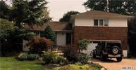 28 Kirwood Dr Glen Cove NY, 11542
