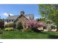207 Hedgemere Dr Devon PA, 19333