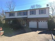 11 Old Farm Ct Glen Head NY, 11545