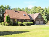 67 Highland Cliff Rd Windham ME, 04062