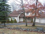 122 Ravenhill Rd Tamiment PA, 18371