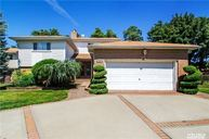 21 Wallace Dr Plainview NY, 11803