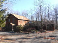 257 Oakenshield Dr Tamiment PA, 18371