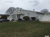 257 E 4th St Deer Park NY, 11729