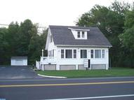 1721 Woodbourne Rd Levittown PA, 19057