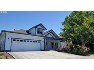 514 Pebble Beach Dr Creswell OR, 97426