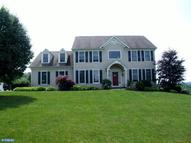 135 Countryside Dr Kintnersville PA, 18930