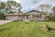 6689 Hill Park Ct Greendale WI, 53129