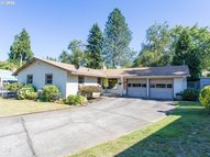 4982 Se Harvey St Milwaukie OR, 97222