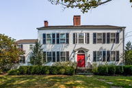 439 North River St Guilford CT, 06437
