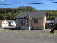 710 Broadway Ave Winchester Bay OR, 97467