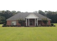 2641 Perry Rd Grenada MS, 38901