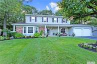 16 Beaumont Ln Lake Grove NY, 11755