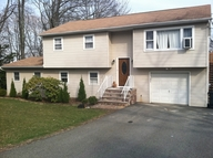 56 Lakeview Dr West Milford NJ, 07480